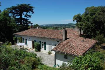 Country house with great views -near Lauzerte-