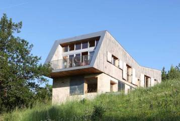 The ultimate modern house in south-west France