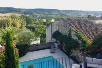 French village life at your doorstep -renovated property-