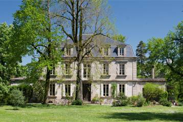 Country estate with chateau set in 10 acres